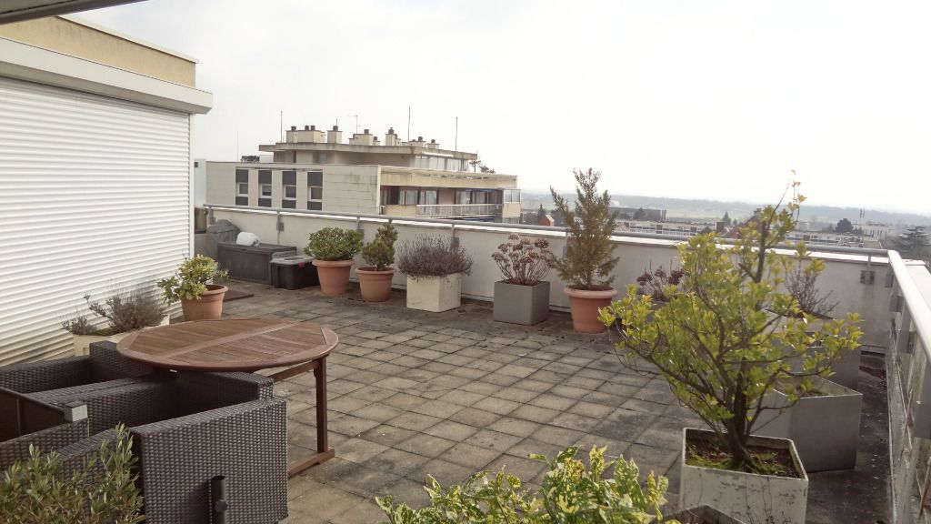 Immobilier velizy villacoublay a vendre vente for Toit terrasse immobilier