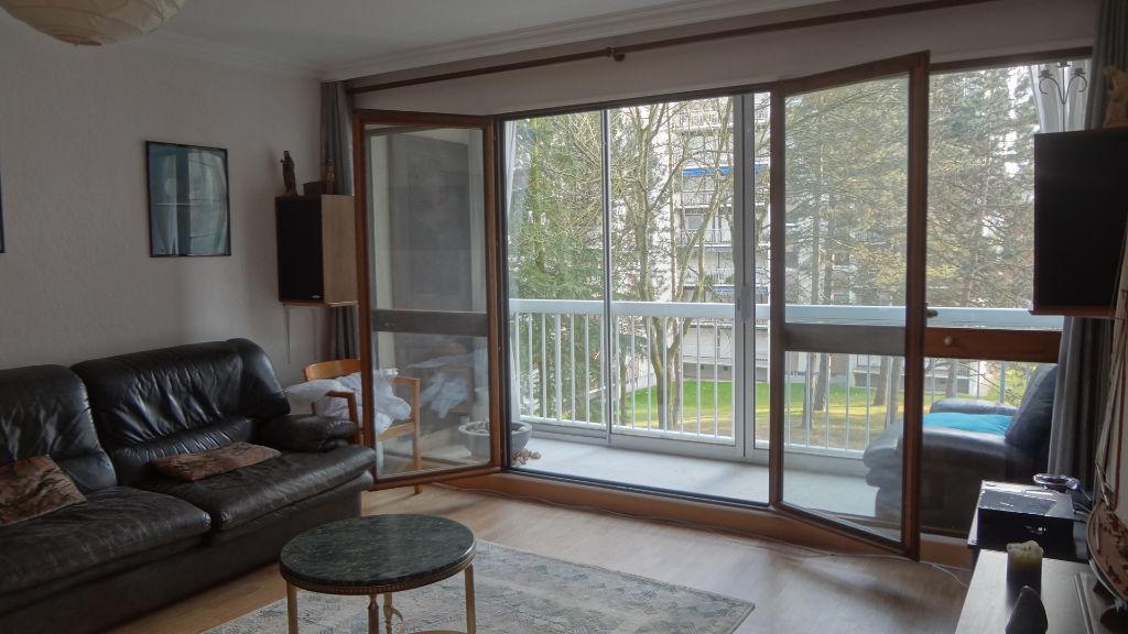 EXCLUSIVITE  ! Appartement Velizy-EST 3 pièces 72 m²  avec loggia aménagée !