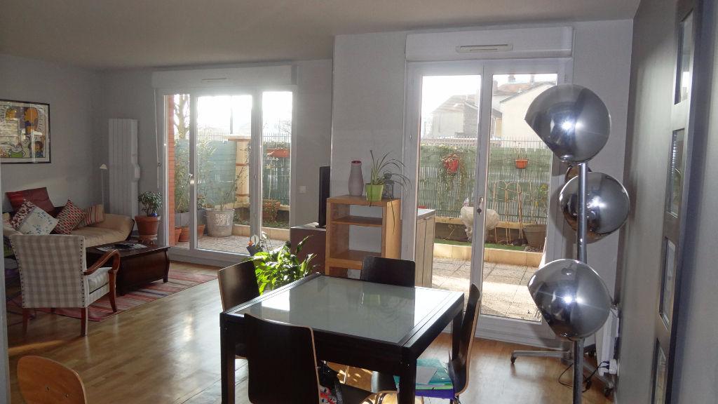 Clamart. A louer appartement MEUBLE avec terrasse !