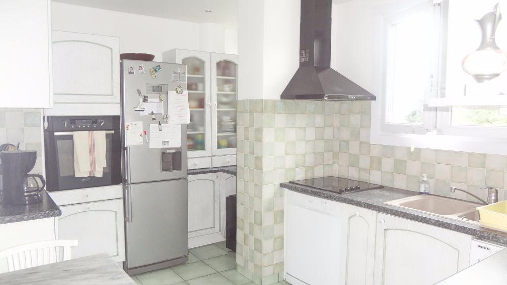 A vendre appartement la Celle-Saint-Cloud dernier étage en excellent état !