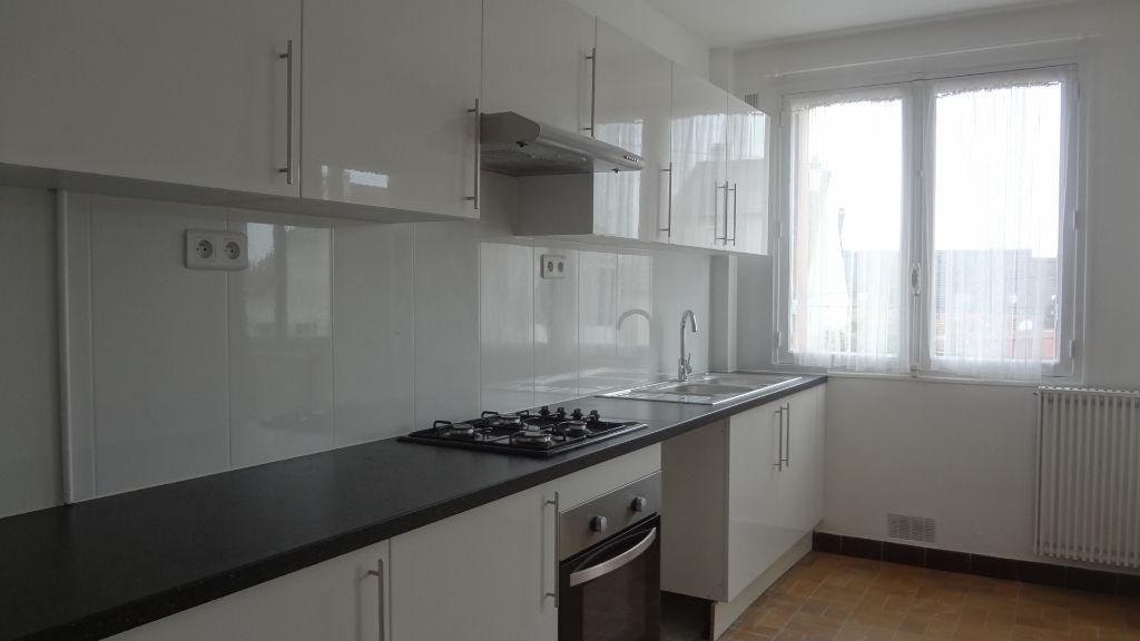 A LOUER !! AU PETIT CLAMART : Bel appartement 5 pièce(s) 101 m2, travaux récents !