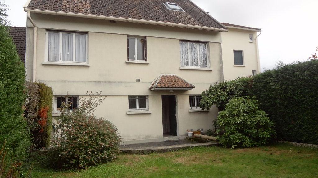 A vendre à Vélizy maison de 7 pièces dans le Clos !