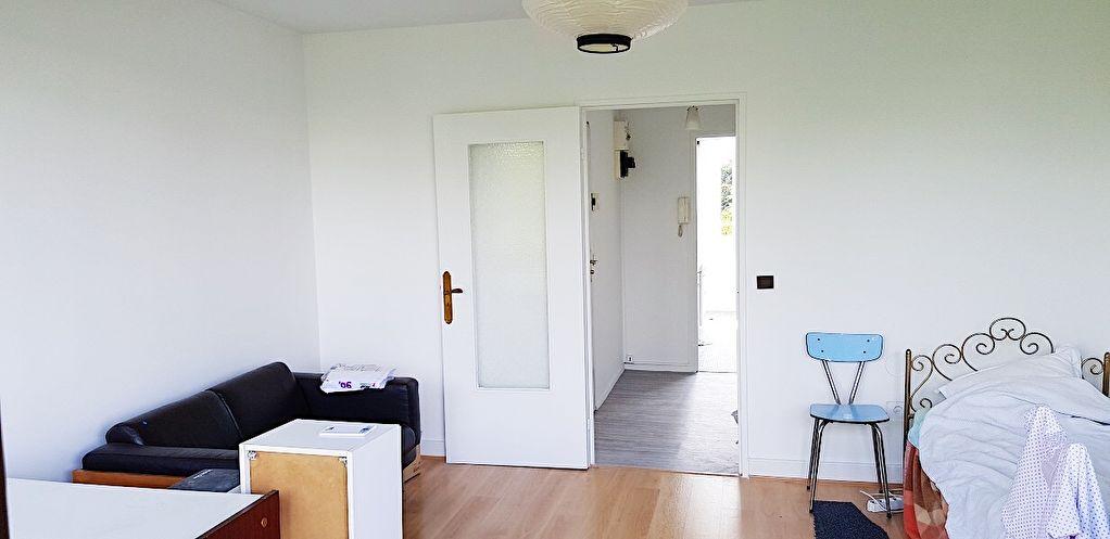 Vélizy - A vendre appartement 4 pièces en dernier étage !