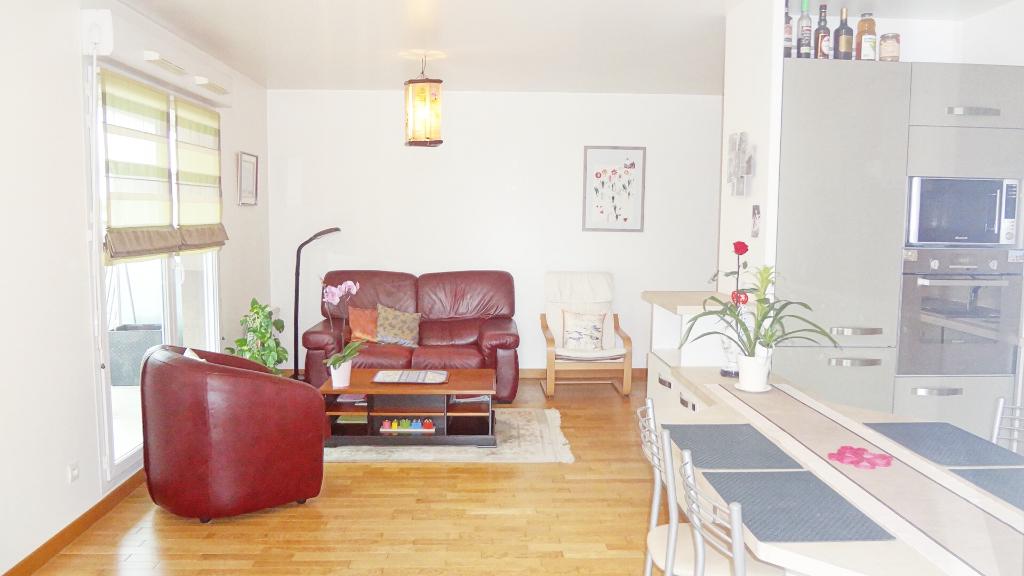A VENDRE ! VELIZY-VILLACOUBLAY: Appartement 3 pièces dans résidence récente
