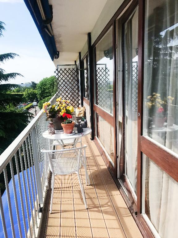 VELIZY-VILLACOUBLAY: A VENDRE ! Appartement 4 pièces, double séjour en très bon état !