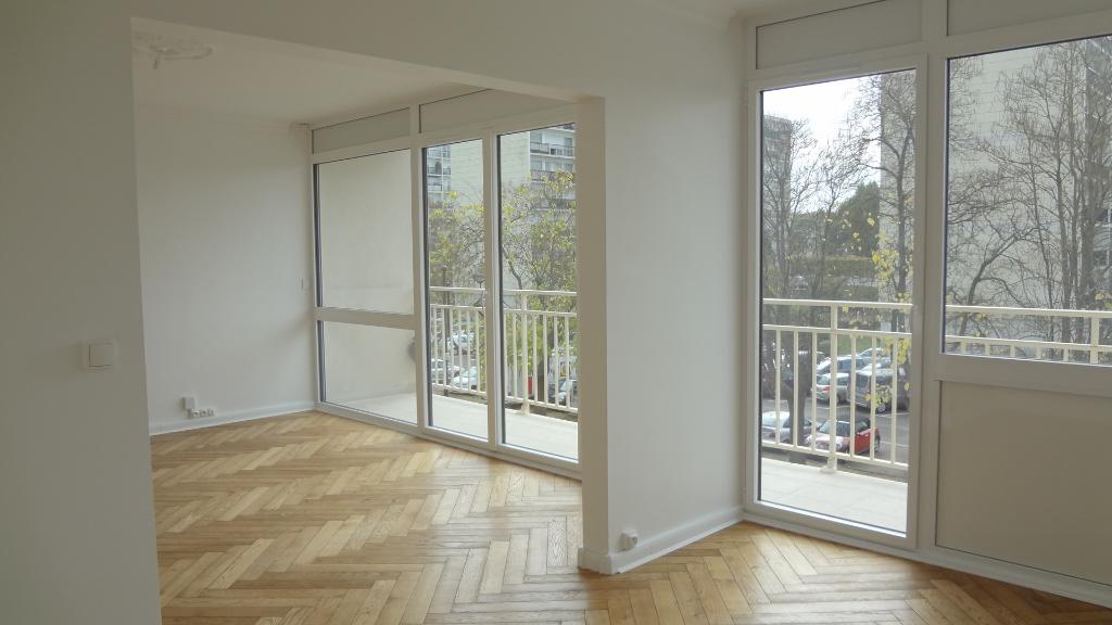 A LOUER : VELIZY-VILLACOUBLAY ! Appartement 4 pièces 77m² entièrement refait !