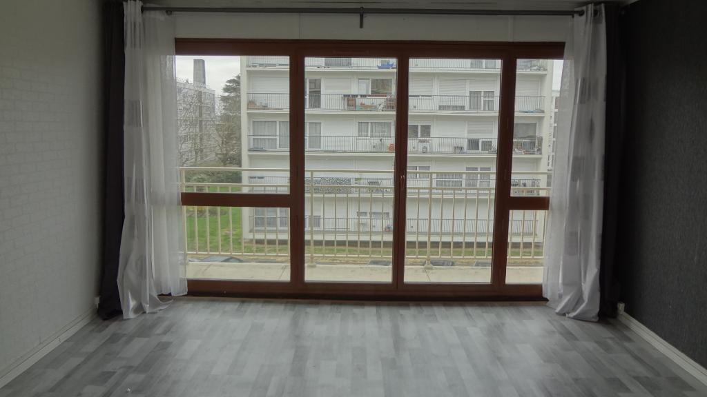 A VENDRE ! VELIZY-VILLACOUBLAY : Appartement deux pièces de 50.01m²