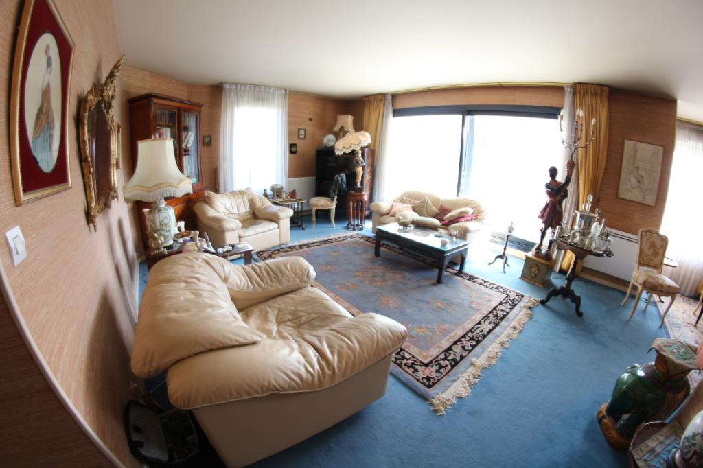 A vendre appartement à Vélizy 6 pièces dans une résidence prisée
