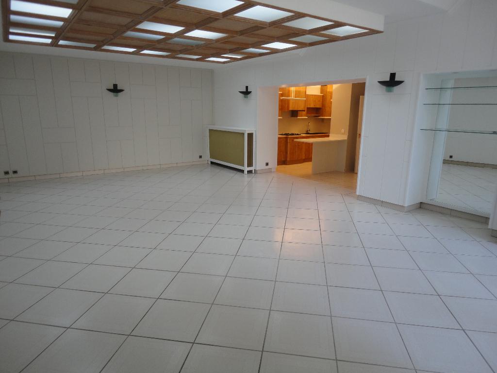 CENTRE SIAM Grand Appartement 3pièces 110m²
