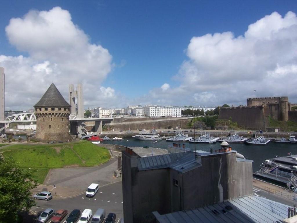 Brest, Rive droite, Appartement T2 vue Penfeld