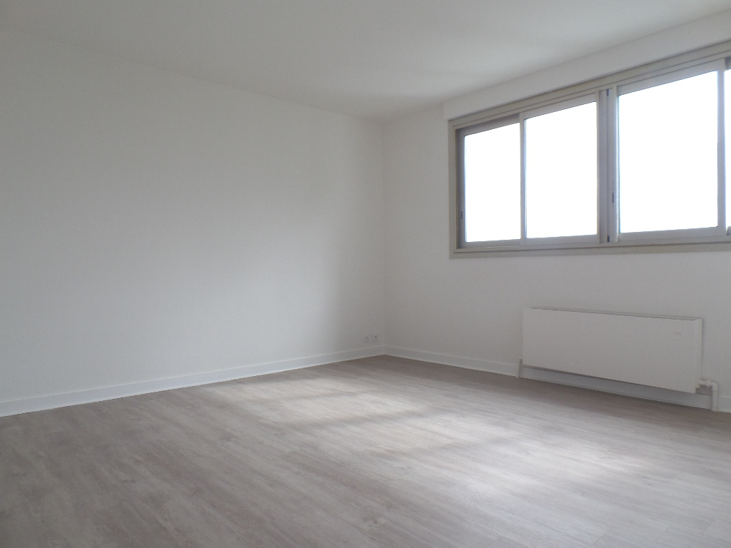 LOCATION BREST PETIT PARIS APPARTEMENT T1 36.76 M²