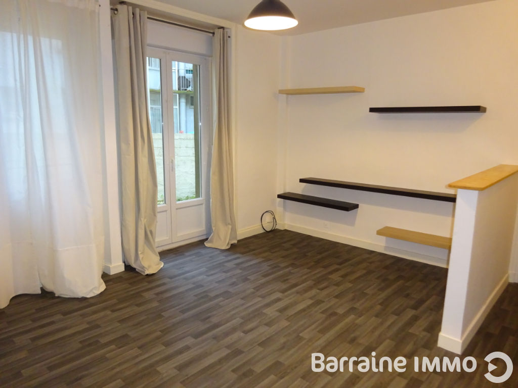 LOCATION BREST SAINT MICHEL APPARTEMENT T1 BIS 37.92 M² ENTIEREMENT MEUBLE PROXIMITE GARE