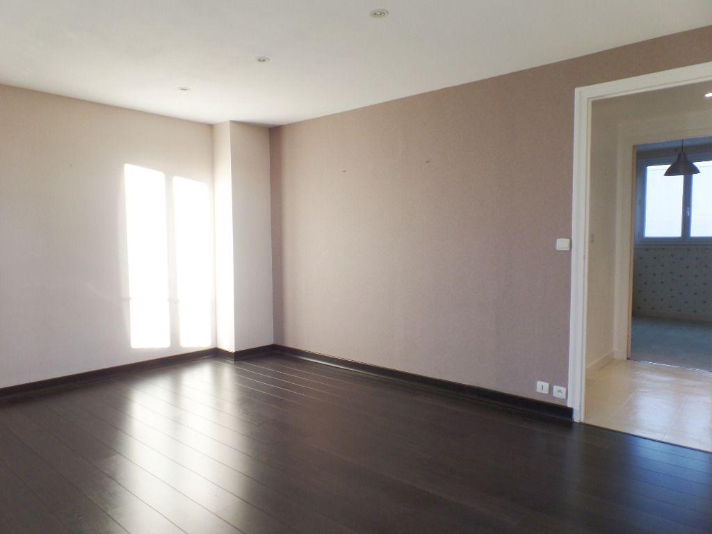 LOCATION BREST STRASBOURG APPARTEMENT T3 RENOVE 65.55 m²