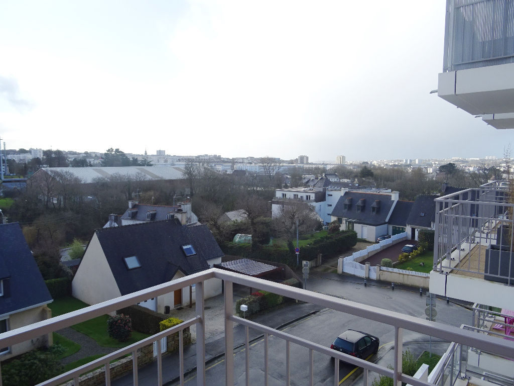 A VENDRE  BREST   LAMBEZELLEC PROCHE CROIX ROUGE   T3   63.90m²   RESIDENCE 2014  BBC  BALCON   ASCENSEUR   PARKING  PRIVATIF