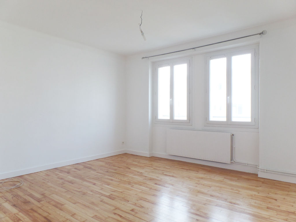 LOCATION BREST SIAM APPARTEMENT T2 45,10 M² GARAGE