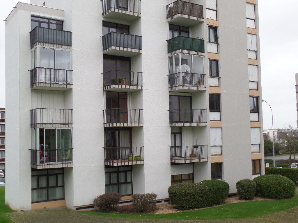 A VENDRE  BREST  MENEZ PAUL  APPARTEMENT T3  64.5m²  RESIDENCE DE STANDING  PARKING
