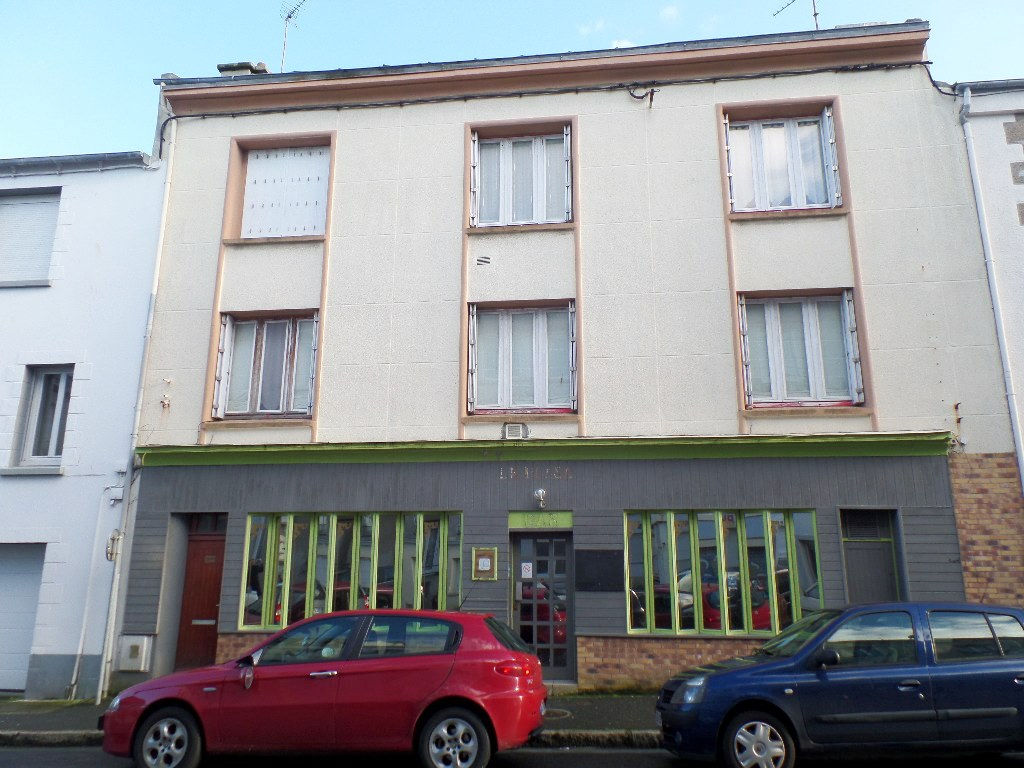 A VENDRE  BREST  SAINT MARTIN / KERICHEN  LOCAL COMMERCIAL / ANCIEN BAR 115m²