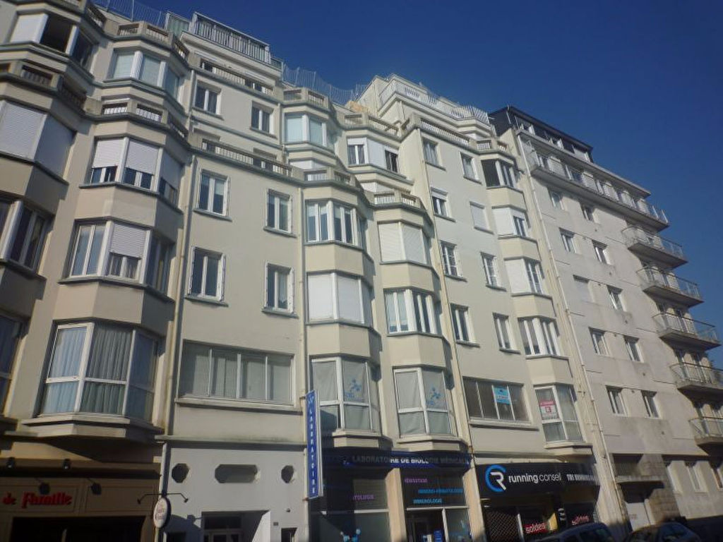 A VENDRE   BREST  CENTRE VILLE  SIAM   APPARTEMENT  T2   58m²   DALLE BETON   ASCENSEUR