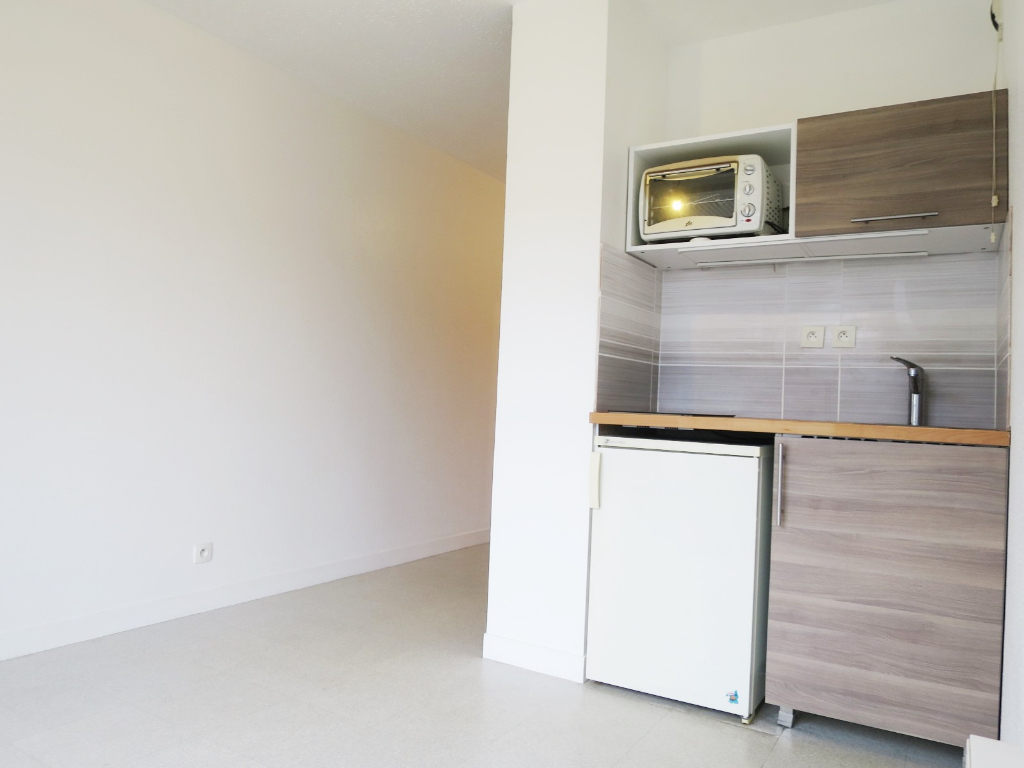 LOCATION BREST SAINT MARC APPARTEMENT T1 BIS 25.52m² RESIDENCE SECURISEE PARKING