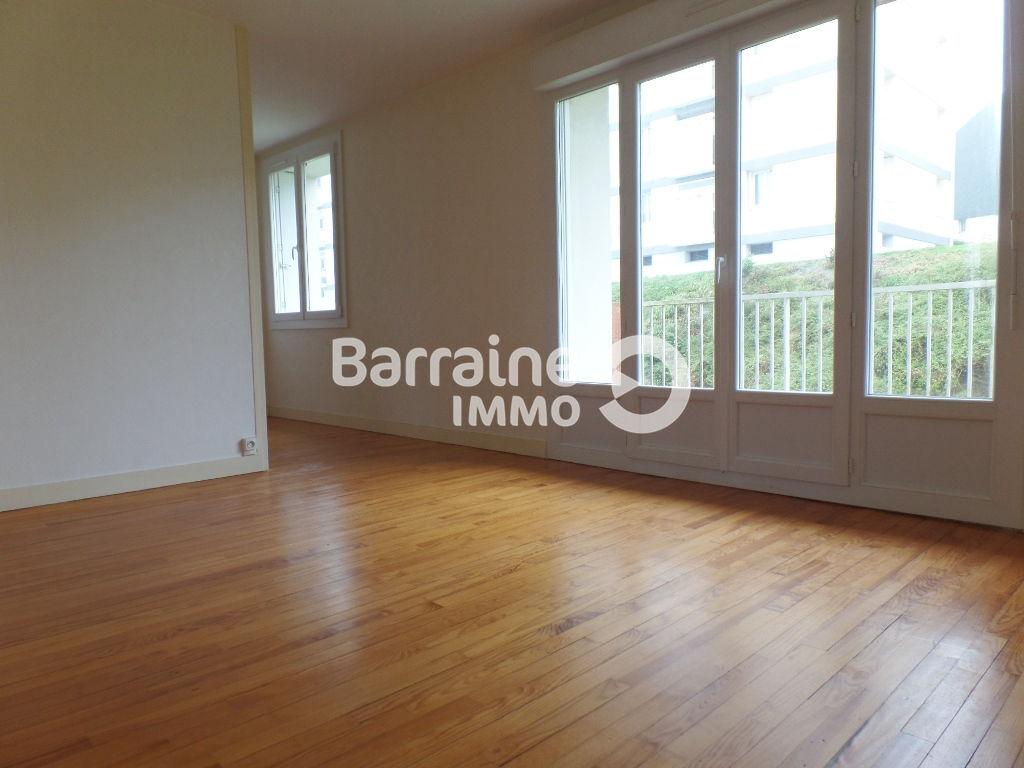 A LOUER BREST DOURJACQ APPARTEMENT T3 70.26 m² BALCON