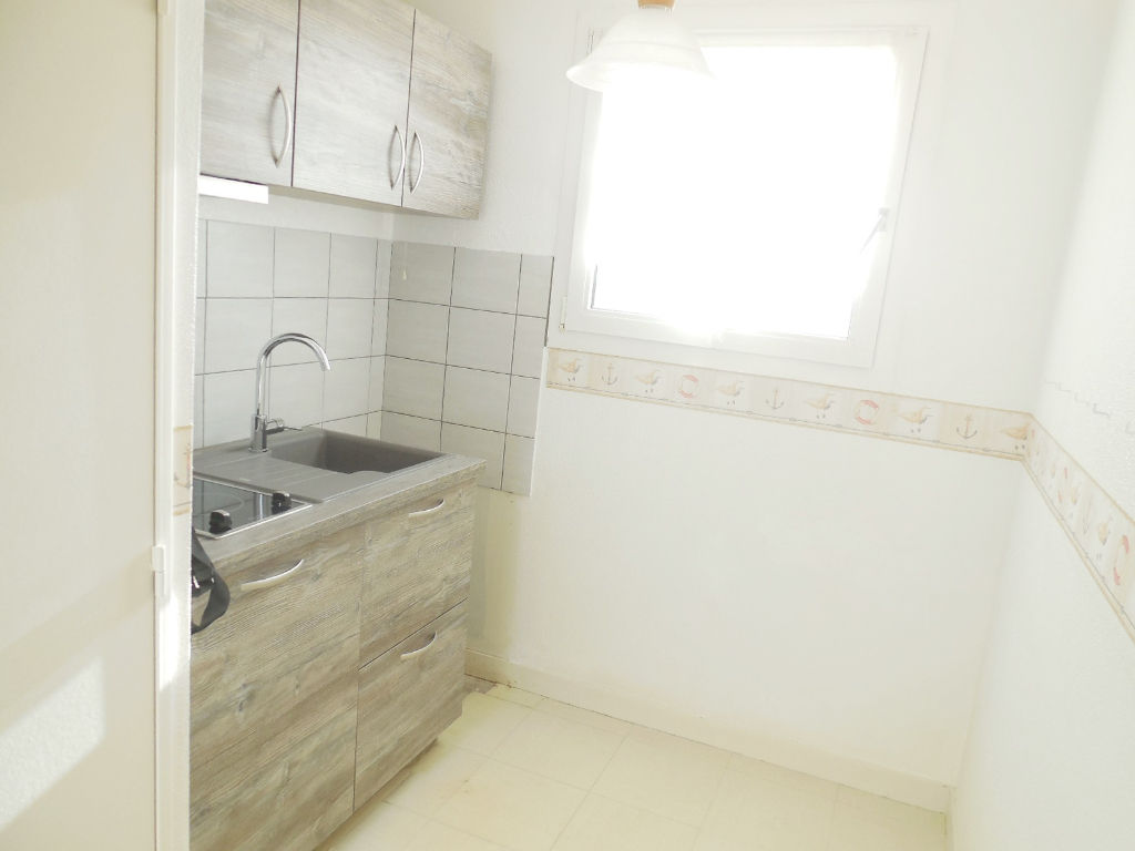 A LOUER  BREST  GEANT  APPARTEMENT  T2  45,03m²  RESIDENCE SERVICE