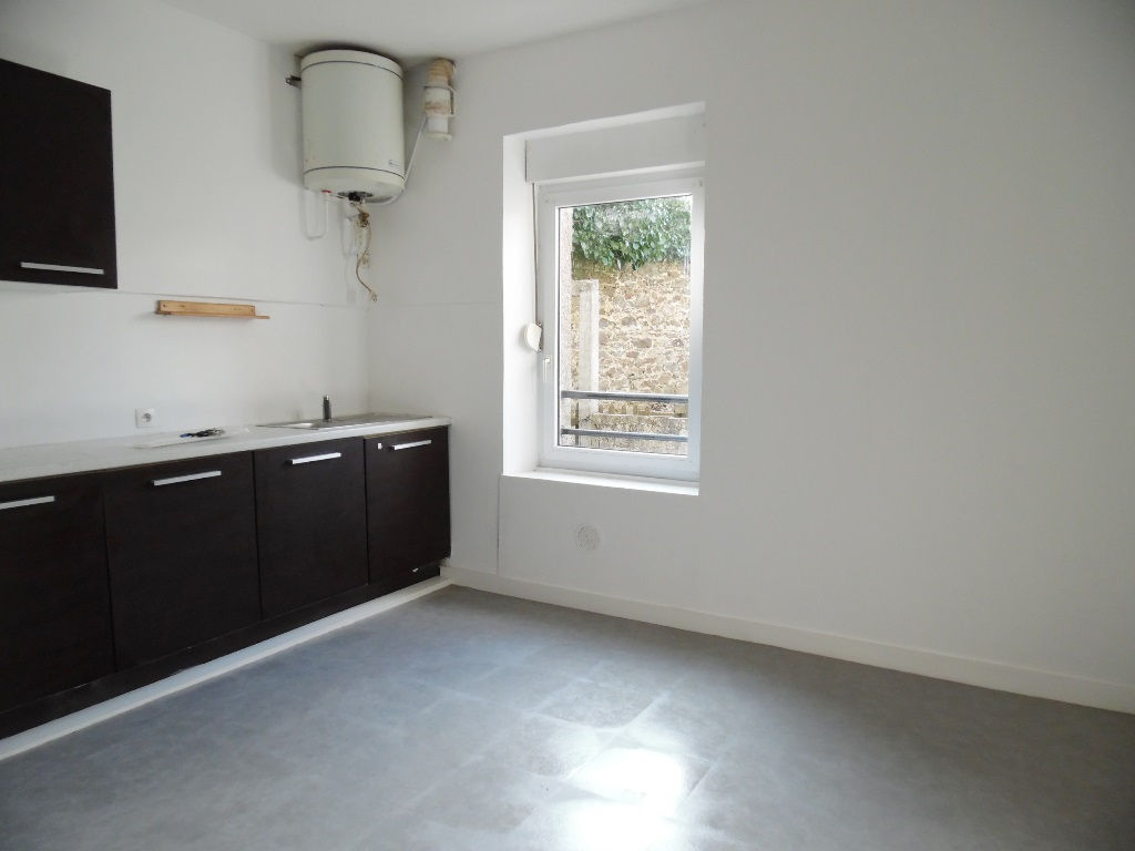 LOCATION BREST  KERBONNE  APPARTEMENT DE TYPE 1  28M²   PETIT BUDGET
