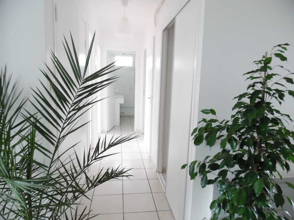 LOCATION  BREST  SAINT PIERRE  APPARTEMENT T4  87M²  2 CHAMBRES  ASCENSEUR  BALCON