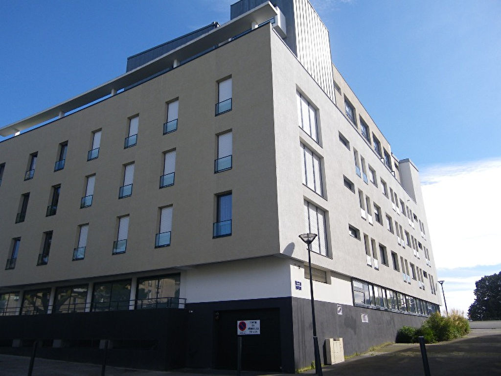 A VENDRE  EXCLUSIVITE  BREST  SAINT MARTIN  PLACE DE PARKING COUVERTE SECURISE