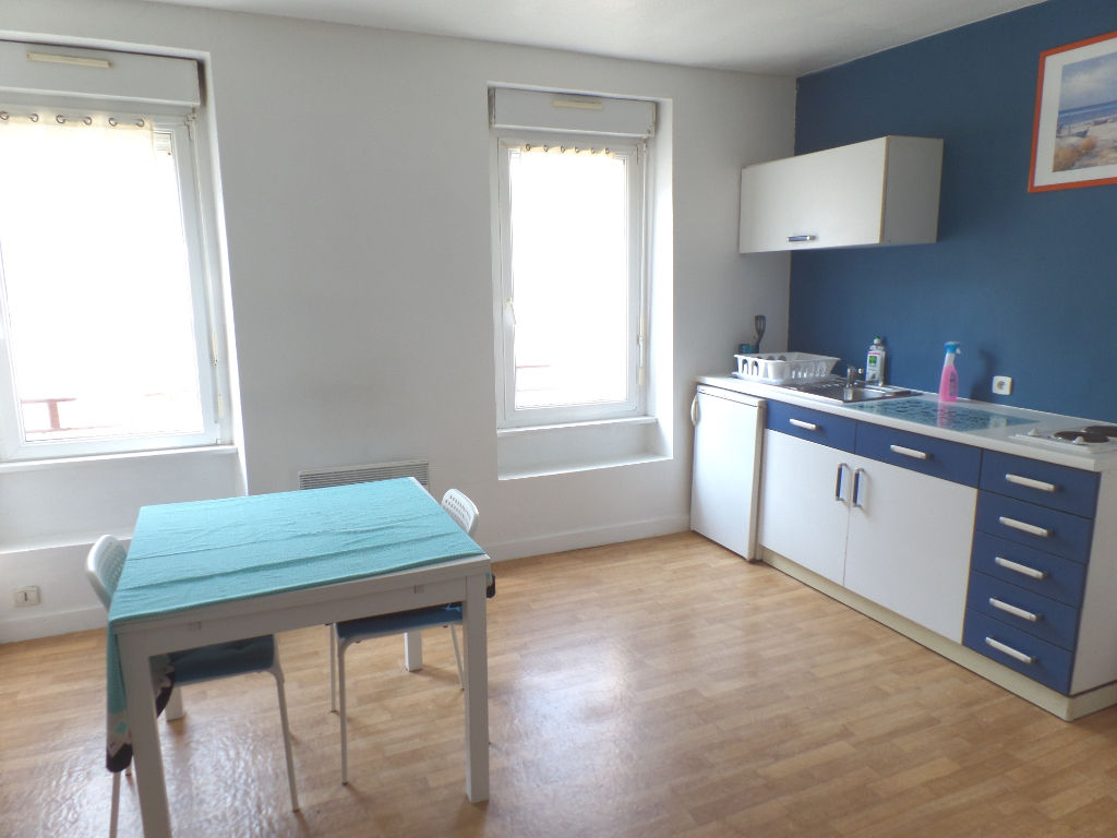 LOCATION BREST LAMBEZELLEC STUDIO MEUBLE 21 m2