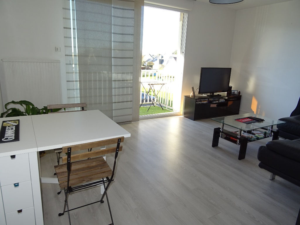 A VENDRE EN EXCLUSIVITE SAINT PIERRE APPARTEMENT T2 50.65 m2  EXPOSE OUEST BALCON ASCENSEUR PARKING