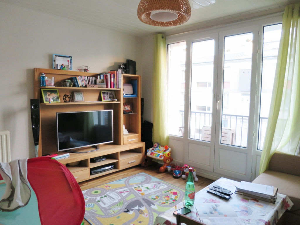 location appartement brest appartement a louer brest agence centrale page 1. Black Bedroom Furniture Sets. Home Design Ideas