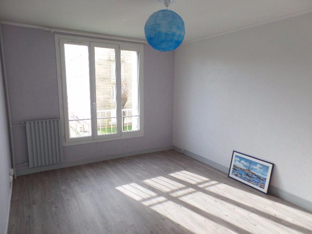 A VENDRE  BREST  PETIT PARIS  APPARTEMENT T4  65,43 m2 CARREZ