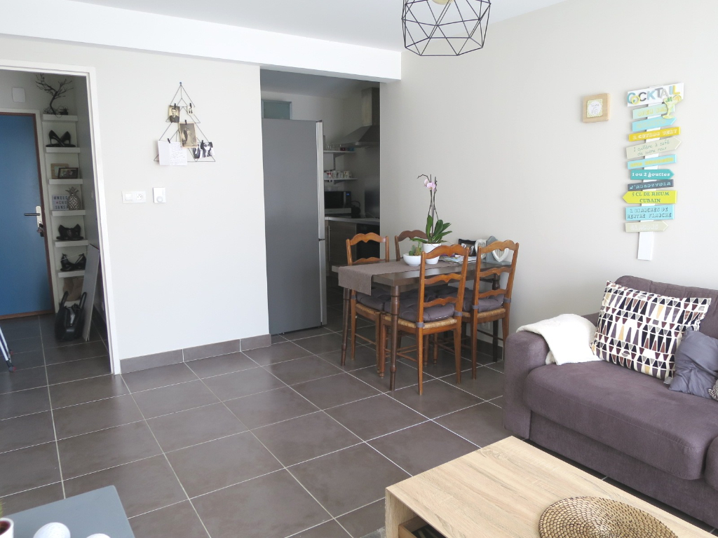 LOCATION BREST LE DOURJACQ APPARTEMENT T2 42.3 m²  RESIDENCE RECENTE  PLACE DE PARKING