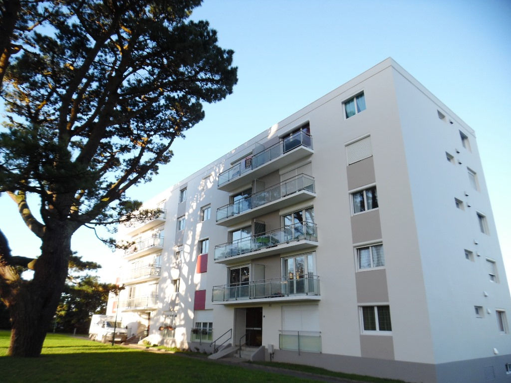 A VENDRE  BREST  SAINT PIERRE  APPARTEMENT T4  82 M²  3 CHAMBRES  ASCENSEUR  BALCON  PARKING