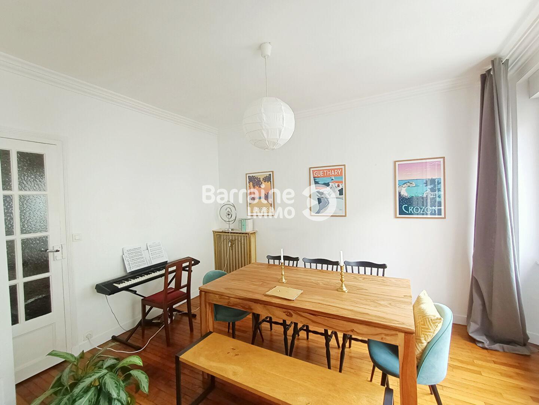 4 pi ces brest agence immobiliere brest agence centrale. Black Bedroom Furniture Sets. Home Design Ideas