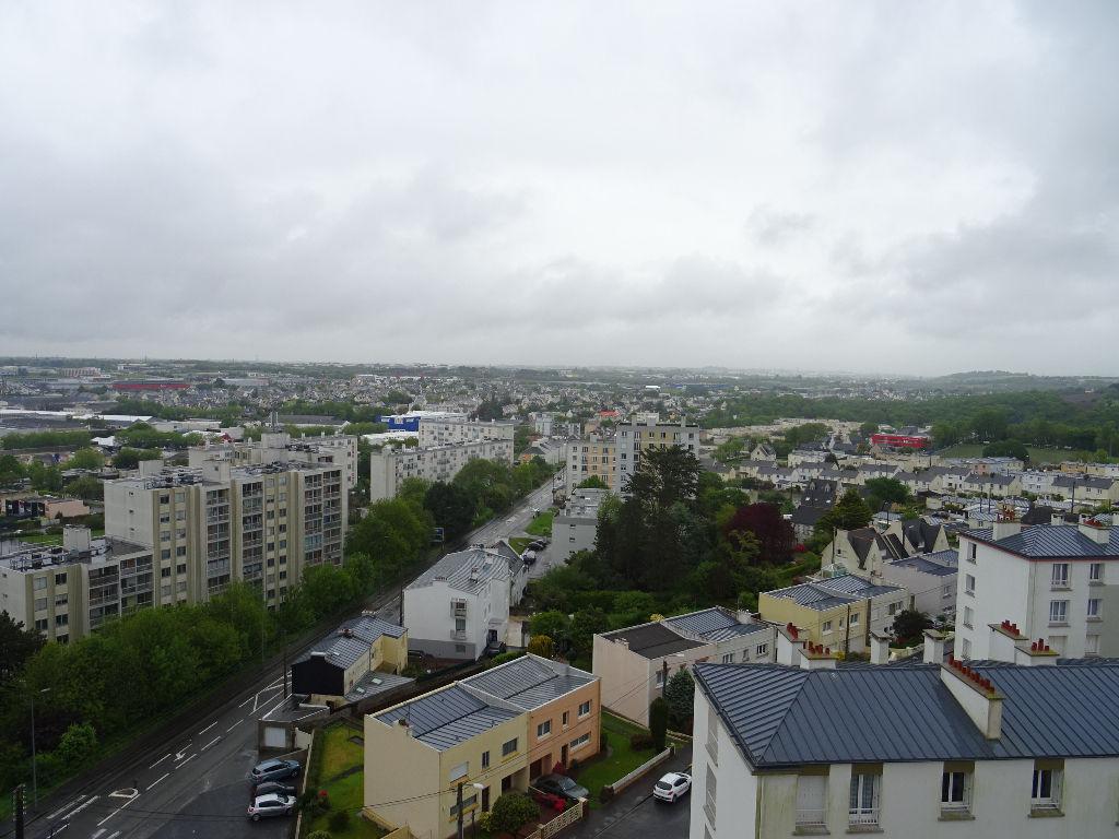 A VENDRE  BREST    PETIT PARIS / LE BOT   APPARTEMENT T5  103.48M²   ASCENSEURS  BALCONS   AUCUN VIS-A-VIS