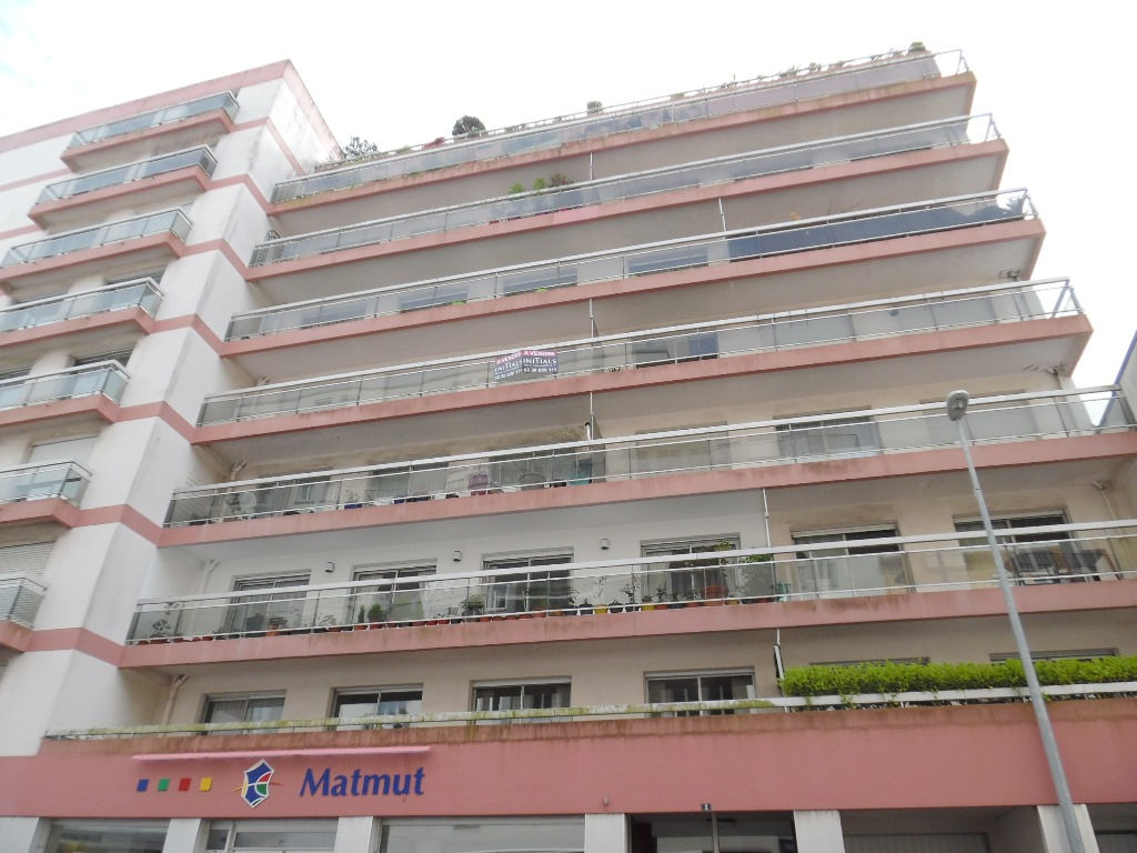 A VENDRE   BREST  JAURES  APPARTEMENT T4 77M²   2 CHAMBRES  ASCENSEUR  BALCON  PARKING