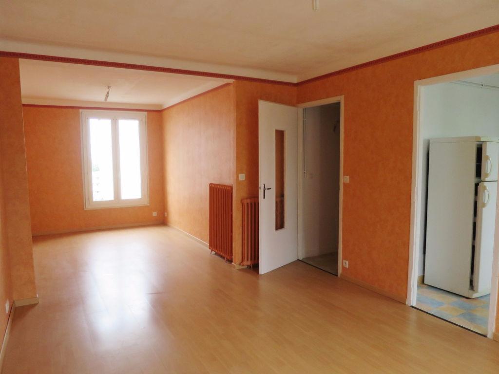 A LOUER BREST PETIT PARIS APPARTEMENT T4 64.35 m² GARAGE