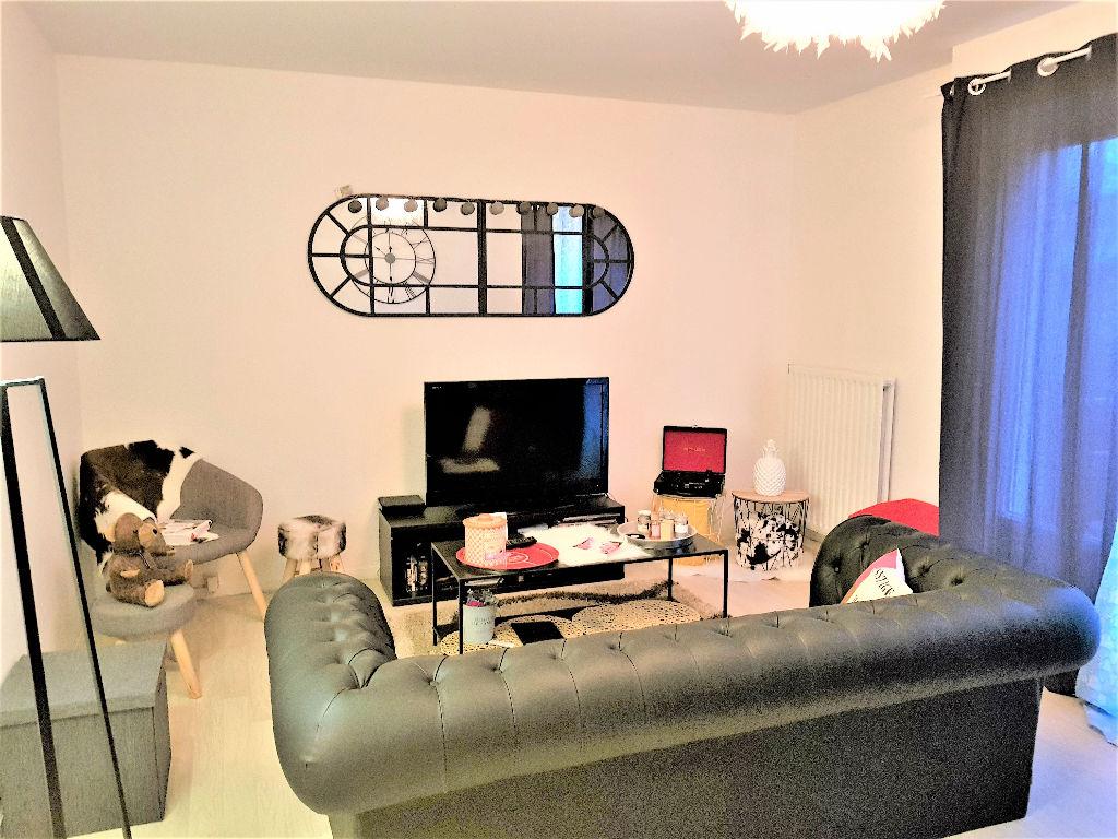 A LOUER - HENNEBONT- SAINT-CARADEC - T3 de 60 m²