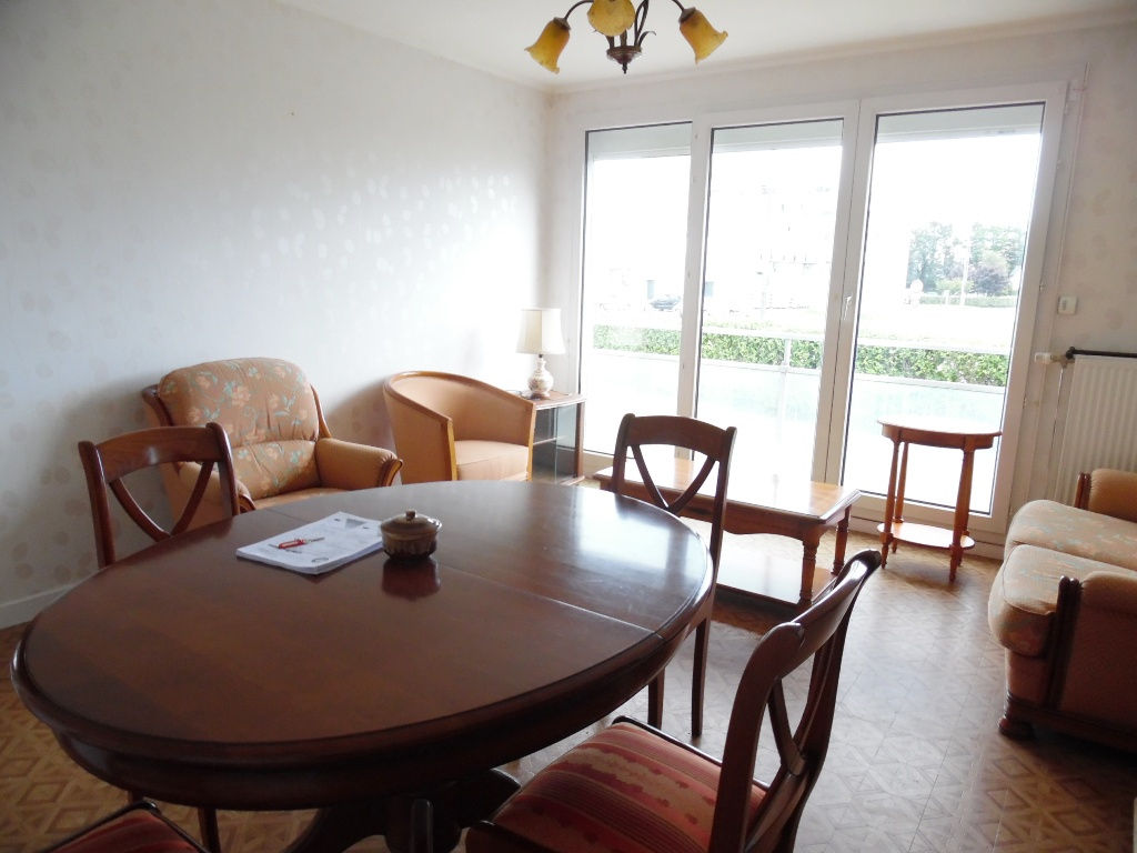 A VENDRE  BREST  SAINT PIERRE  APPARTEMENT T2  53 M²  1 CHAMBRE  ASCENSEUR   PARKING