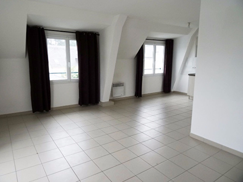 A LOUER - LORIENT - KERFORN - STUDIO 1 BIS de 33m² - PARKING PRIVE