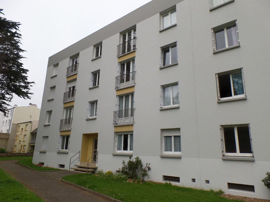 A VENDRE  BREST  LE BOT  APPARTEMENT T4  76m²