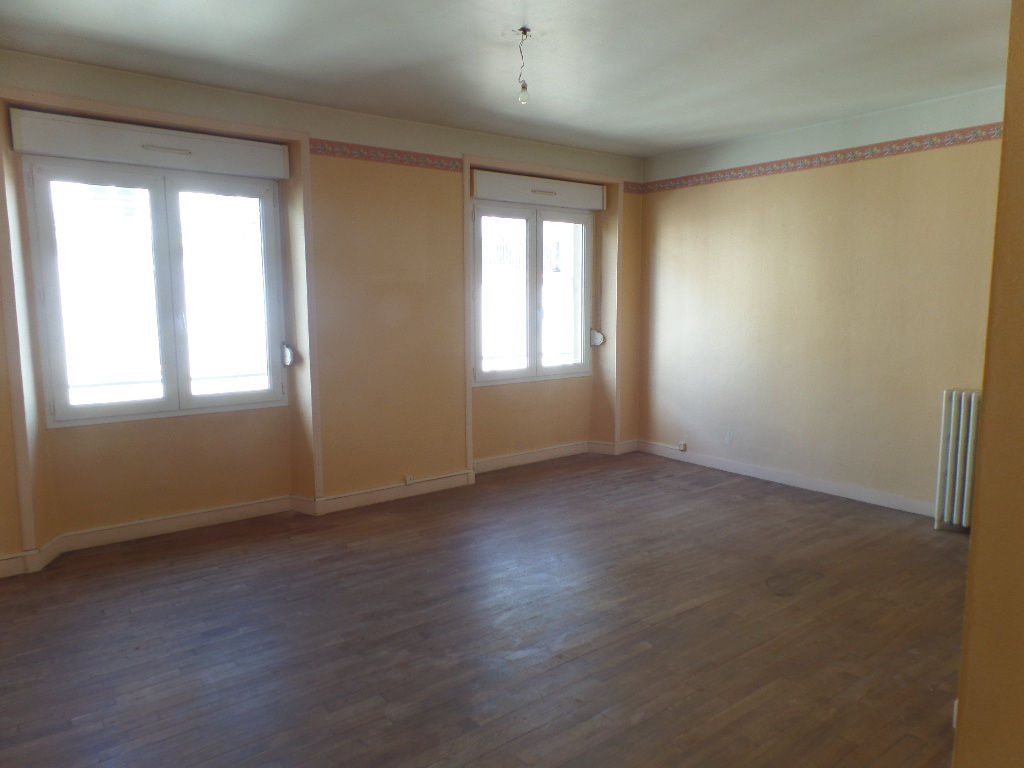 A VENDRE   BREST  SIAM / SAINT LOUIS  APPARTEMENT T4  85m²