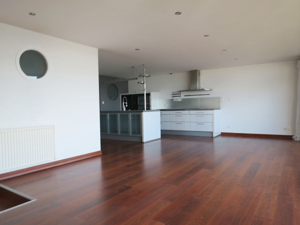 LOCATION LE RELECQ KERHUON APPARTEMENT T3 70.26m²  VUE MER TERRASSE PARKING