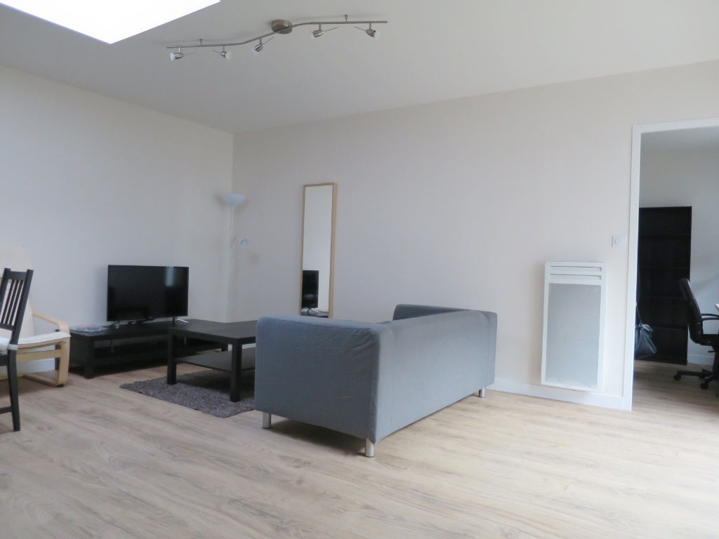 LOCATION BREST SAINT MARTIN APPARTEMENT T3 MEUBLE  ENTIERMEENT RENOVE
