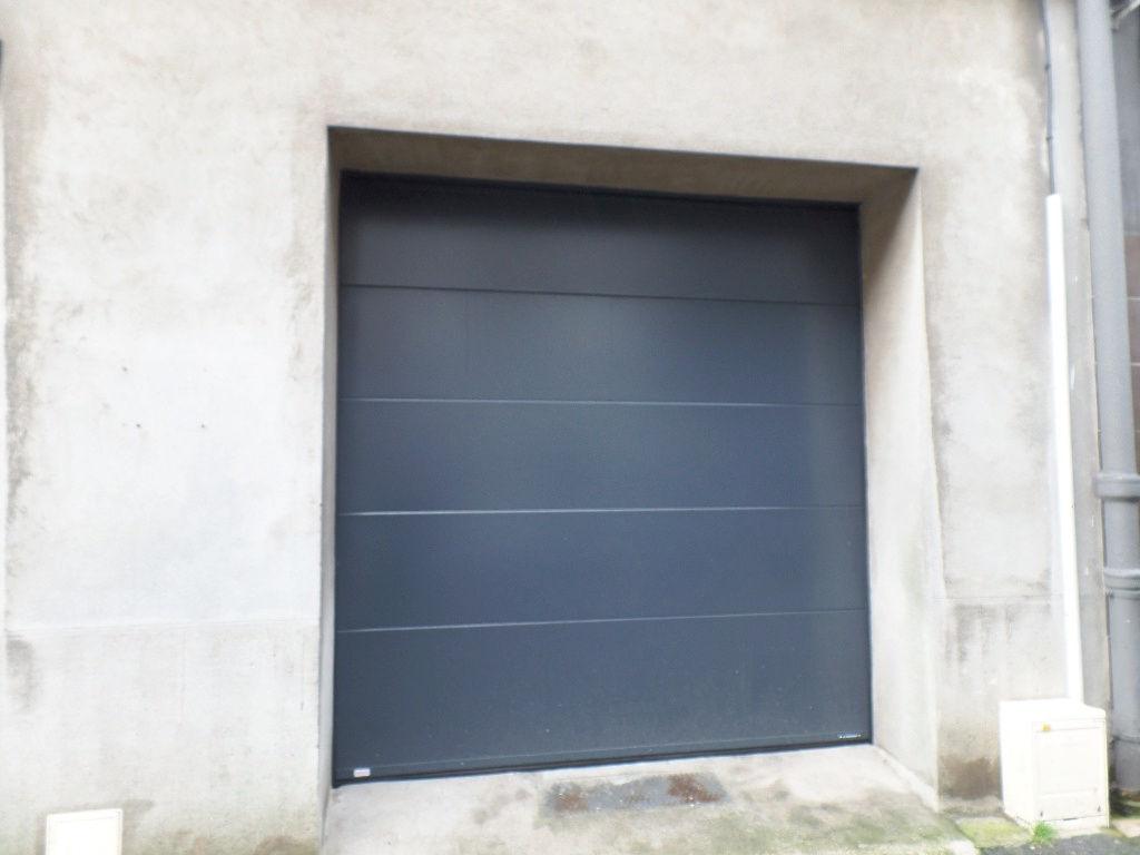BREST   SIAM  SAINT LOUIS. GARAGE  20m²  PORTE SECTIONNELLE ELECTRIQUE  TRES RARE !