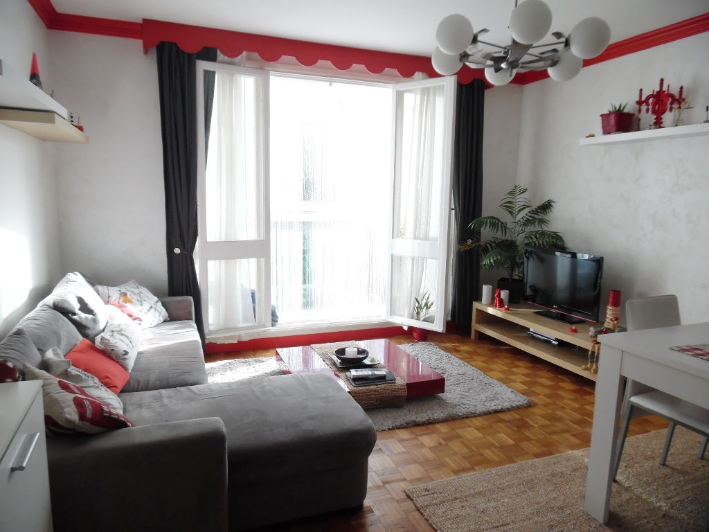 EXCLUSIVITE  A VENDRE  BREST  LAMBEZELLEC  APPARTEMENT T3  62M²  2 CHAMBRES  DALLE BETON  GARAGE