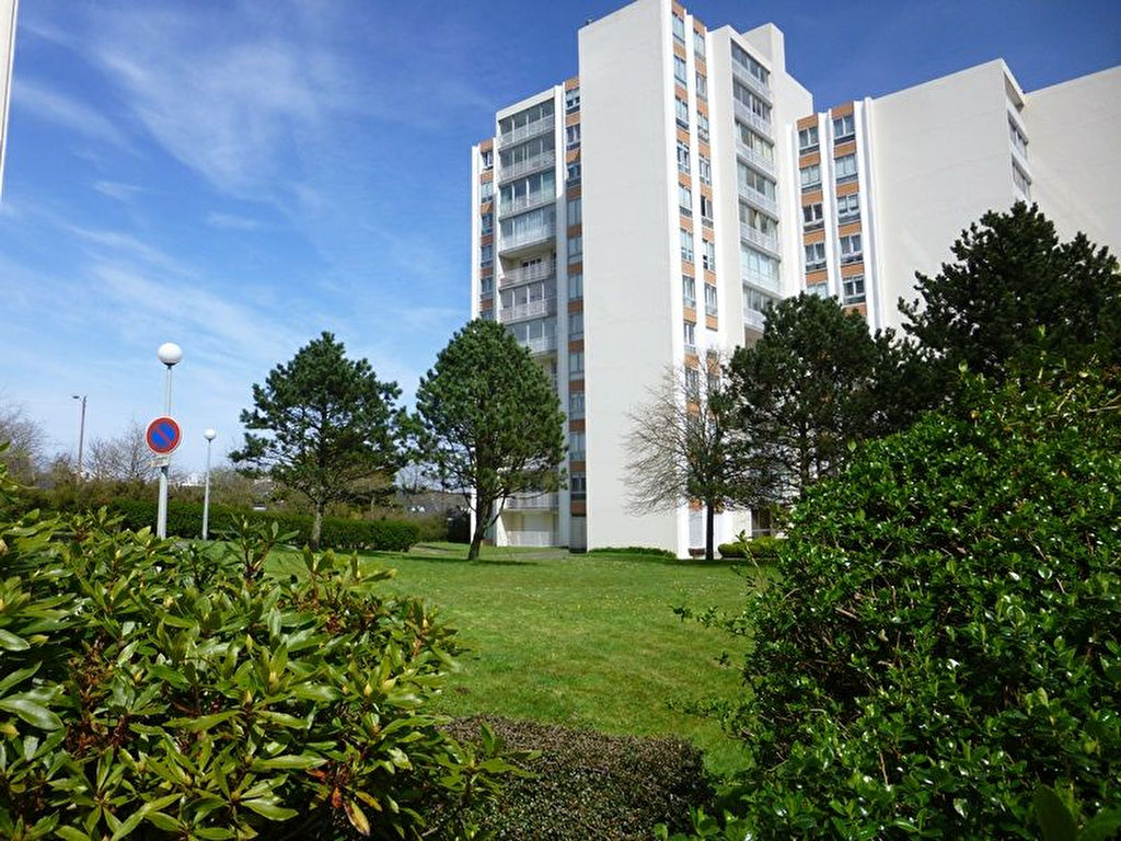 A VENDRE   BREST   GEANT   APPARTEMENT   T1   31m²   DALLE BETON   ASCENSEUR     BALCON