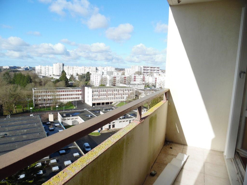 A  VENDRE  BREST  BELLEVUE  APPARTEMENT T3  66M²  2 CHAMBRES   BALCON  ASCENSEUR  VUE DEGAGEE