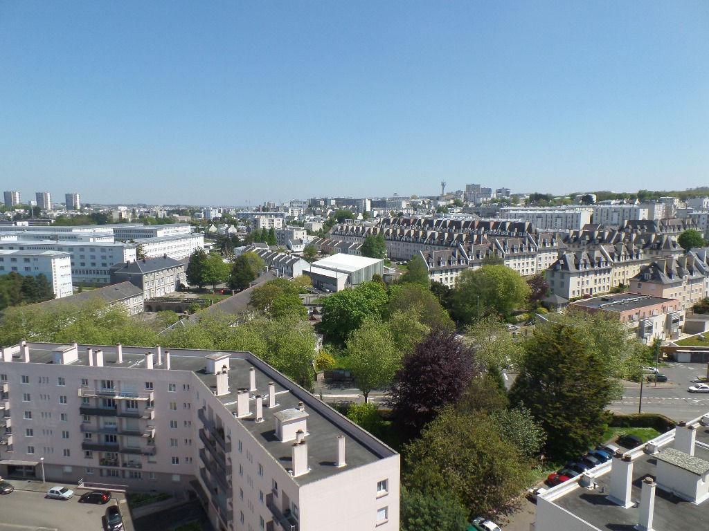A LOUER BREST BONNE NOUVELLE APPARTEMENT T2 53.12 m² TERRASSE ASCENSEUR SUPERBES VUES